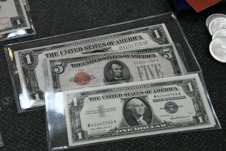 Paper Money Banner 2